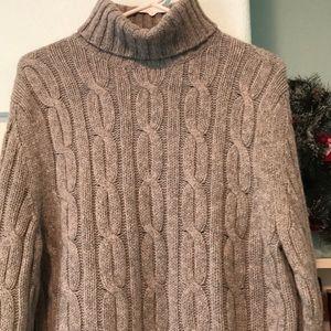 BANANA REPUBLIC wool turtleneck